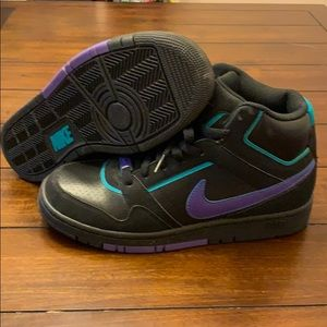 Nike Air Prestige III sz7.5 Black Purple/Turquoise